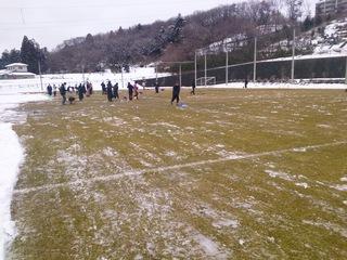 140321泉サッカー場雪かき.jpg